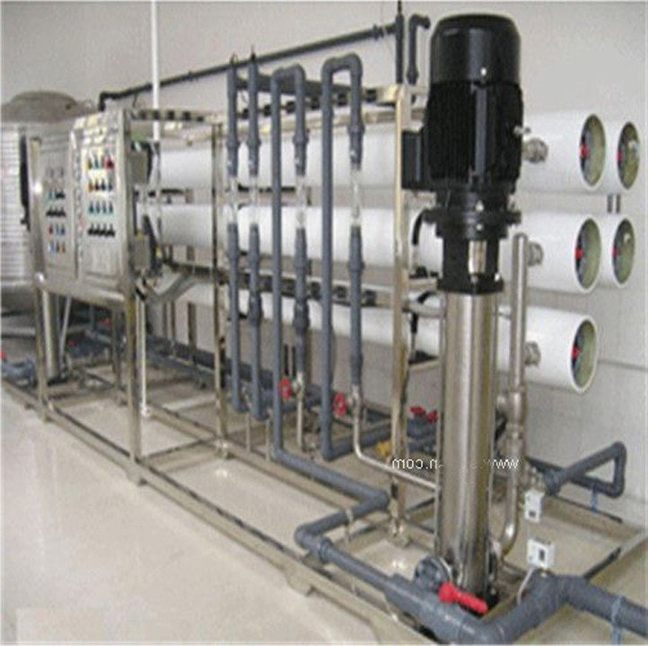 Dây chuyền lọc nước tinh khiết 2000l/h 2 cấp RO dùng cho ngành dược