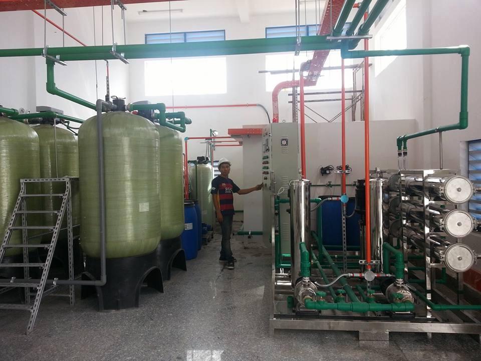 Xử lý nước dùng trong dược phẩm, y tế