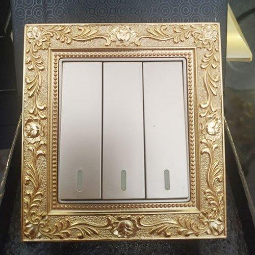 Công tắc ba mạ vàng DanCopper Luxury DG8/3F
