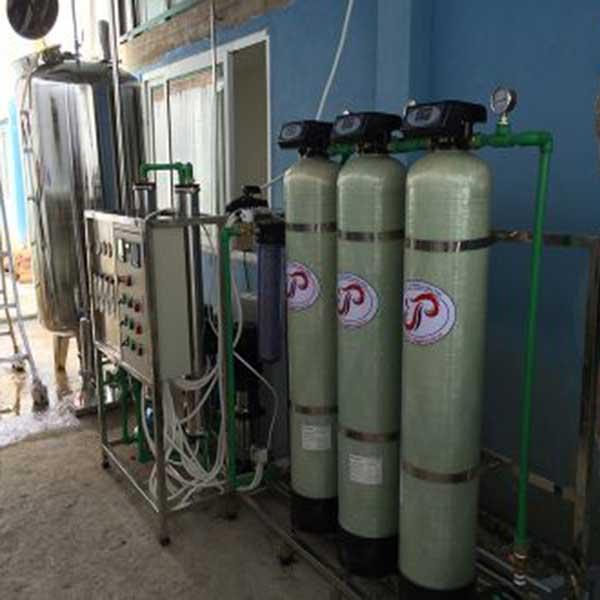 Dây chuyền lọc nước RO 2 cấp công suất 500l/h dùng trong dược phẩm