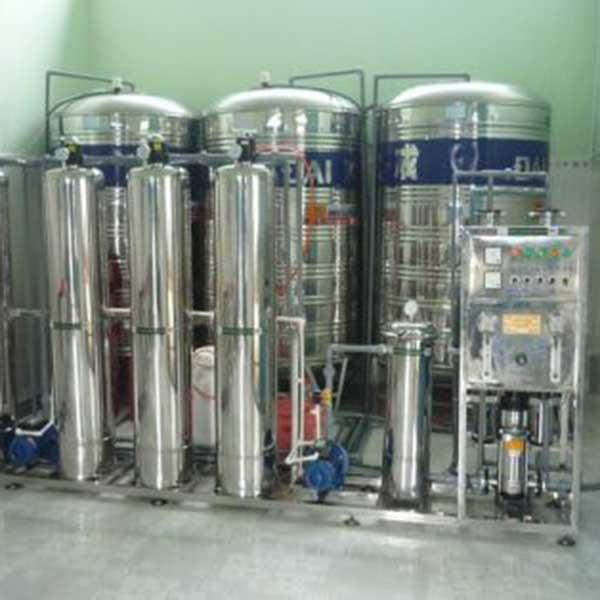 Dây chuyền lọc nước tính khiết R.O cống suất 750 Lít/giờ dùng trong ngành dược