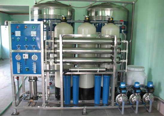 Dây chuyền sản xuất nước tinh khiết đóng chai