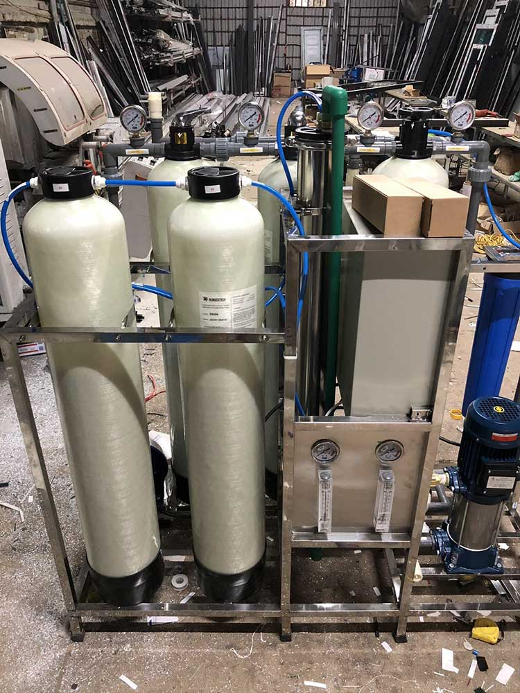 Hệ thống lọc nước tinh khiết R.O – DI Mixbed công suất 2000 lít/h phục vụ cho sản xuất