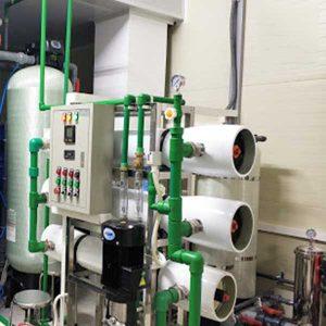 Hệ thống khử khoáng sử dụng hệ lọc R.O 2 cấp cho sản xuất dược phẩm