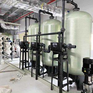Công ty bảo dưỡng, thay thế vật liệu lọc nước